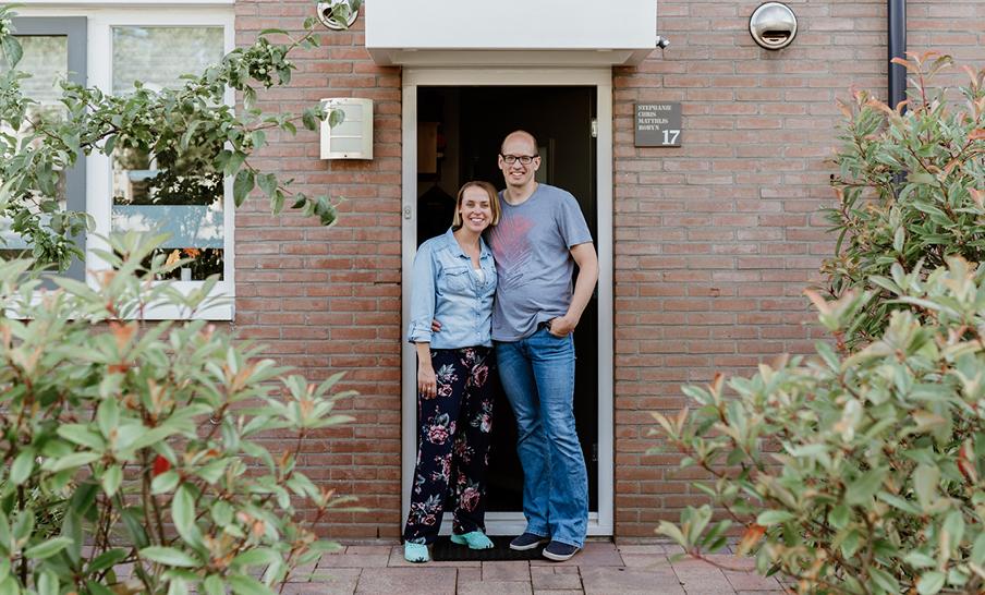 Verkopers Stephanie en Chris zochten een makelaar met veel kennis over hun buurt.